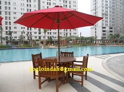 Set Meja Payung di kolam renang Apartemen Kalibata City Jakarta Selatan