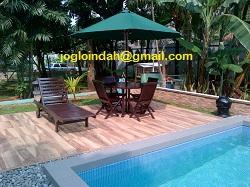 Set Meja Payung Taman untuk di Kolam Renang di Perumahan Bukit Pamulang Indah