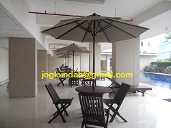 Repeat order Set Meja Payung Kolam Renang Apartemen Sunter Parkview Jakarta Utara