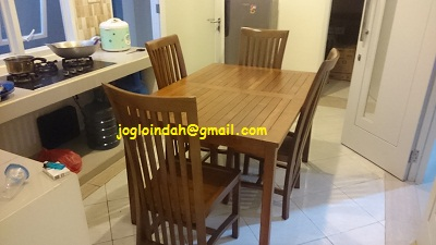 Set Meja Makan untuk Rumah Pak Rizal Gandul Cinere Depok