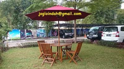 Set Meja Payung untuk Taman Rumah di Jambi