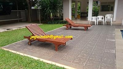 Kursi Kolam Renang Kayu Jati untuk Sports Lounge Cluster Feronia Park Alam Sutera Serpong Tangerang
