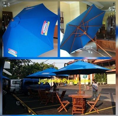 Meja Payung untuk PT.Indomarco Prismatama Jember