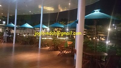 Meja Payung Parasol untuk Starbucks L'Avenue Office Pancoran Jakarta Selatan