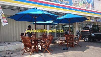 Set Meja Payung untuk PT.Indomarco Prismatama Jember