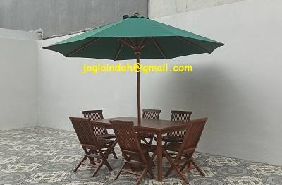 Set Meja Payung di Emerald Mansion Lippo Cikarang