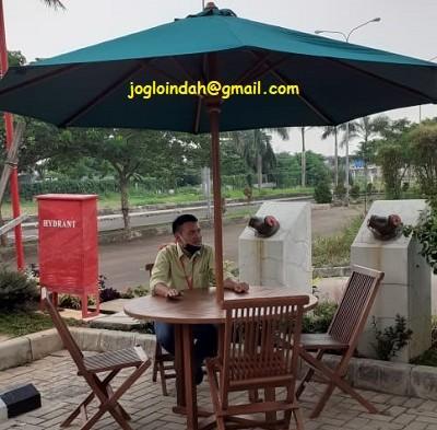 Set Meja Payung untuk Green Lake View Depok JawaBarat