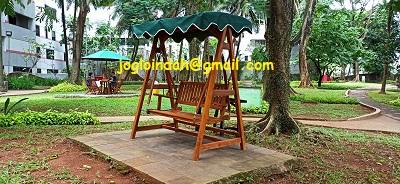 Ayunan Kayu Jati untuk Taman Apartemen Bona Vista Lebak Bulus Jakarta
